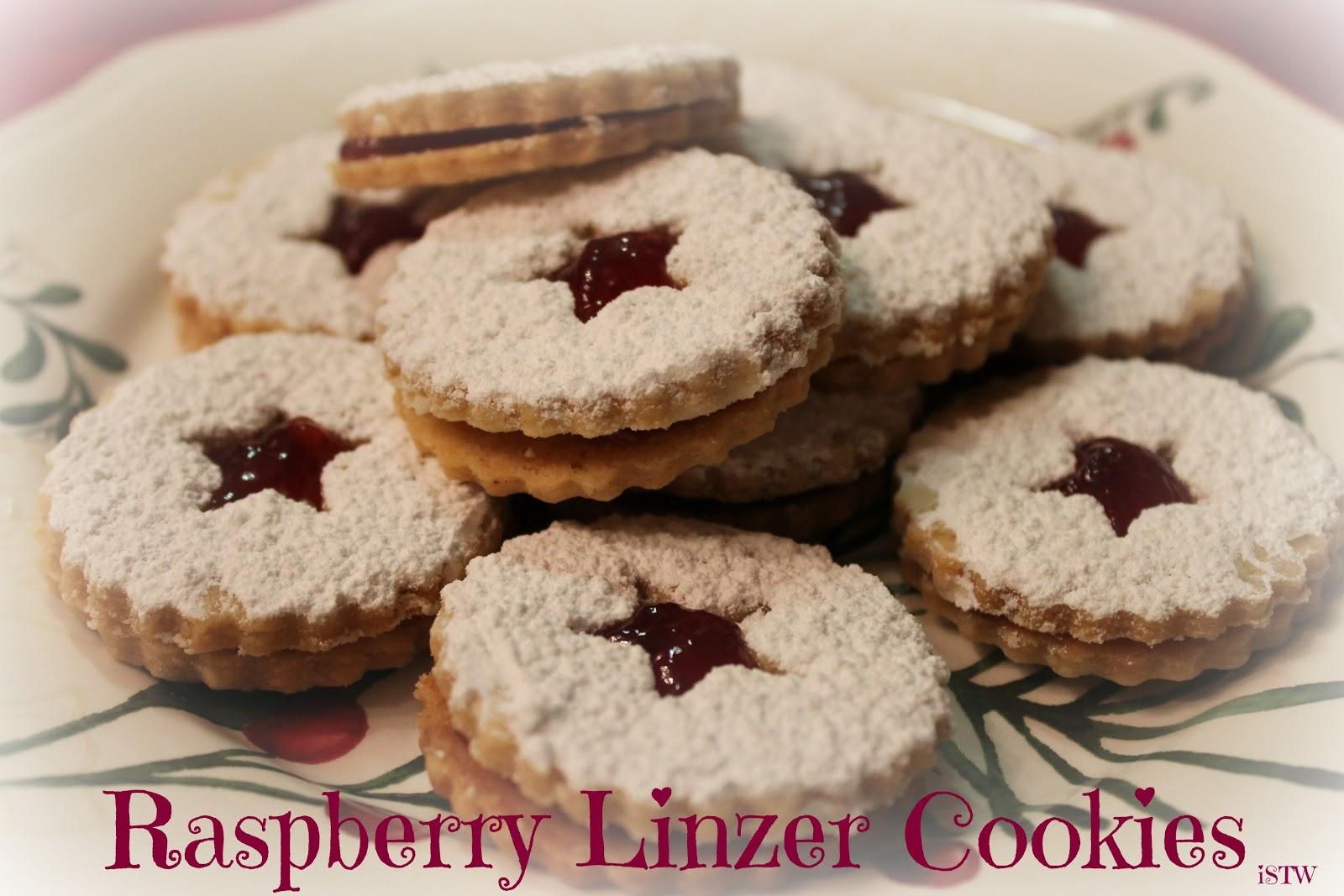 iSavor the Weekend: Raspberry Linzer Cookies