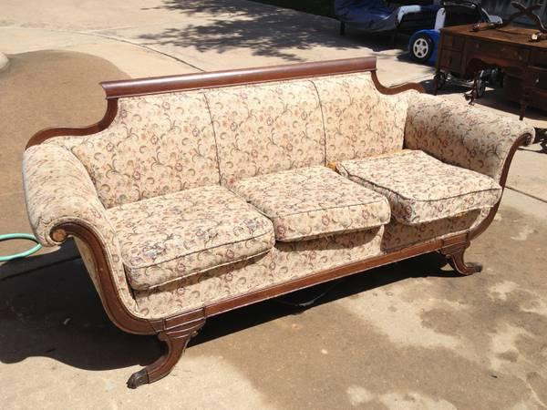 Thou shall craigslist austin craigslist for Vintage divan sofa