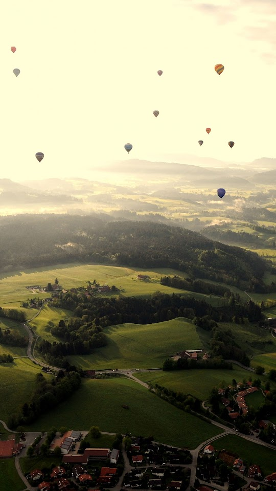 Balloon Party Sky Town  Galaxy Note HD Wallpaper