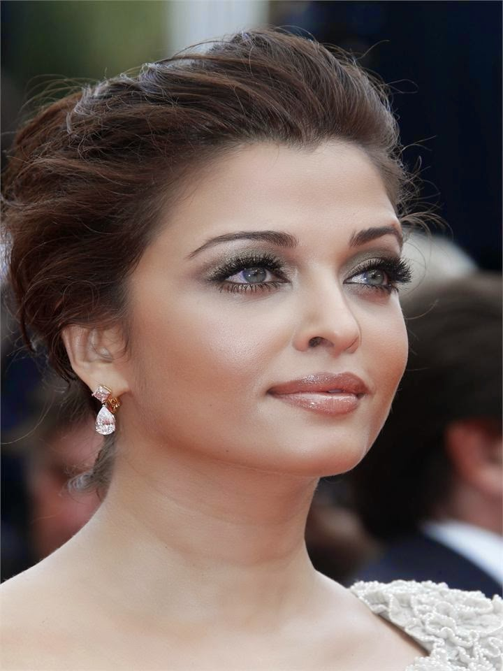 Most Sizzling beautiful Hot Unseen 80 Pics Of Hot Aishwarya Rai Bachchan