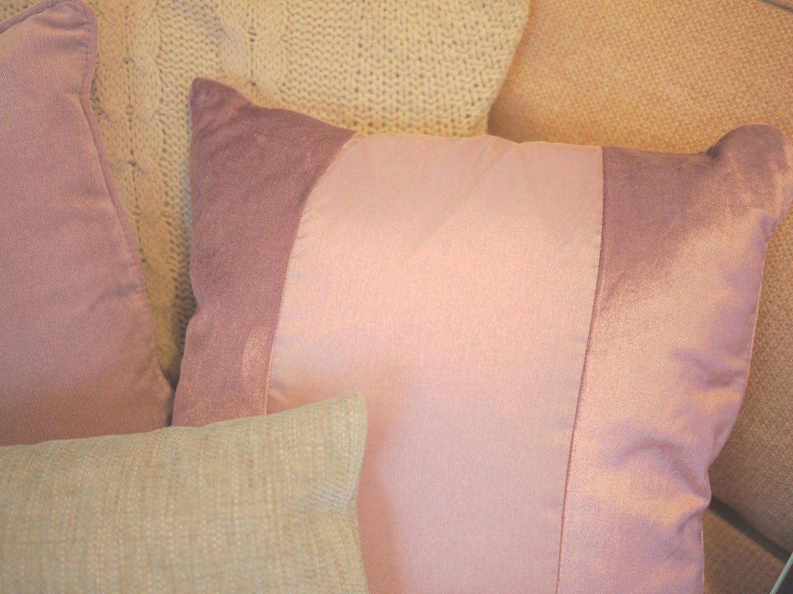 Next home scatter cushions in Mauve