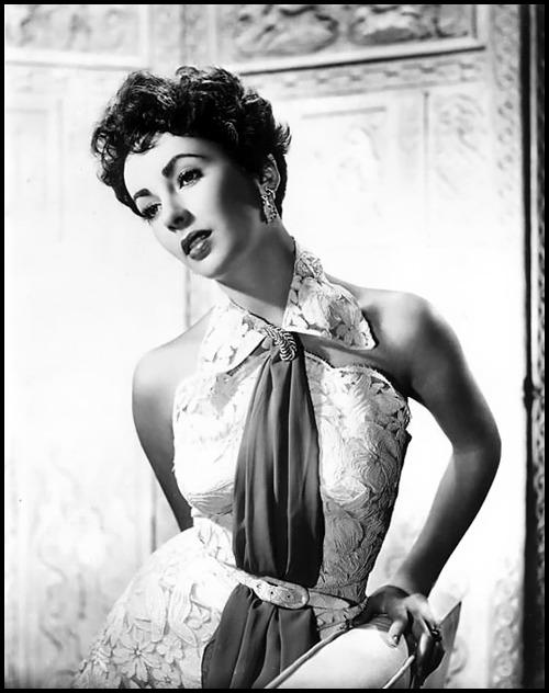 Style Icon: Elizabeth Taylor