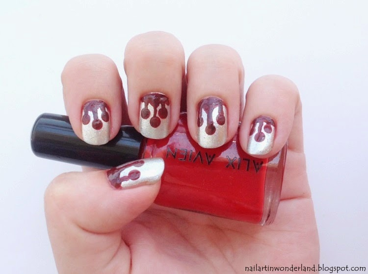 Bleeding nail art for halloween