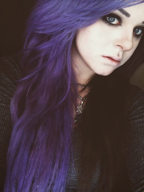 cruella devile split two tone half and half hair dye manic panic directions crazy color alternative purple lilac lavendar black goth girl witch witchy