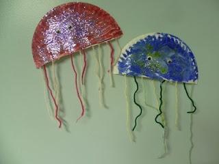Save green being green try it tuesday glittery paper for Easy crafts for 3 year olds
