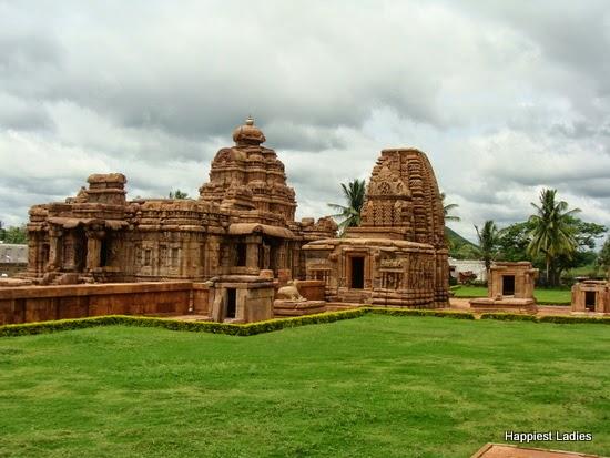 Pattadakal Mallikarjuna & Kasivisweshwara Temple