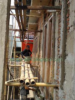 http://1.bp.blogspot.com/-jLBRv-IN77E/UUNFxKEP0EI/AAAAAAAAAv0/gJQoM3mlFIs/s1600/tukang+bangunan+plasteran+dinding.jpg