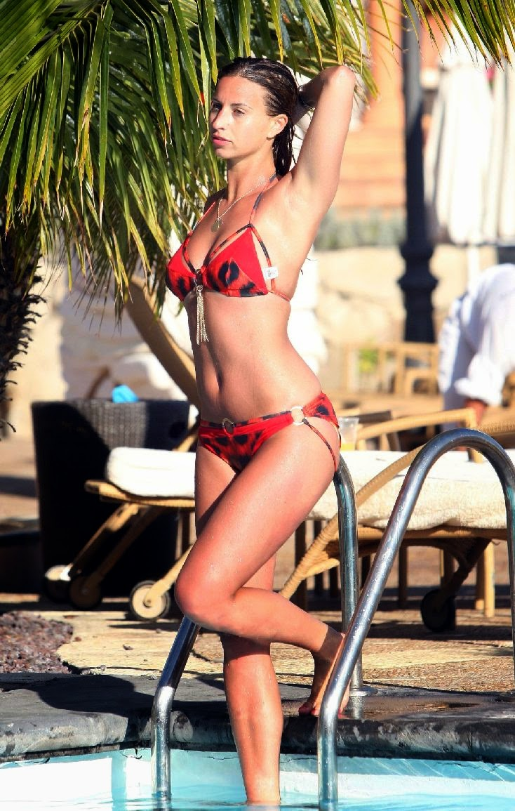 The 23-year-old donned a red bikini with plenty of lion pattern, which could have caused many a figure to unpleasantly spill over in areas as she enjoyed a vacation on Saturday, April 26, 2014 at Spain.