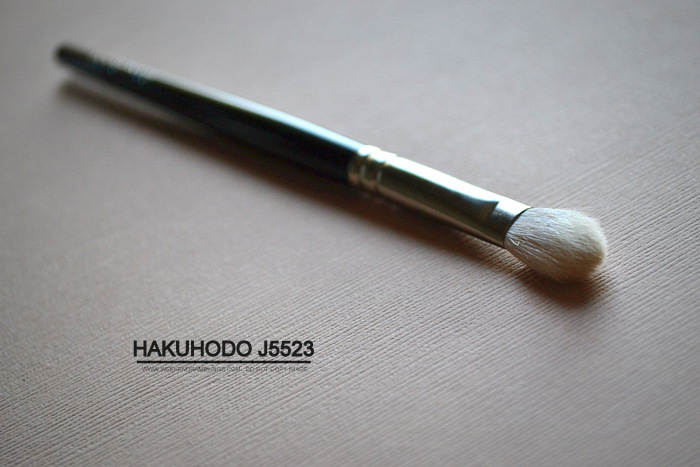 Hakuhodo J5523 Eyeshadow Makeup Blending Brush - Photos Review