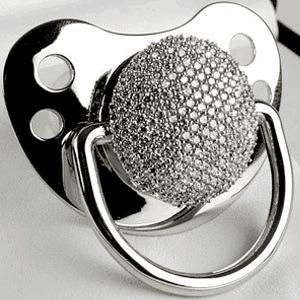 Dot bayi berhiaskan emas berlian