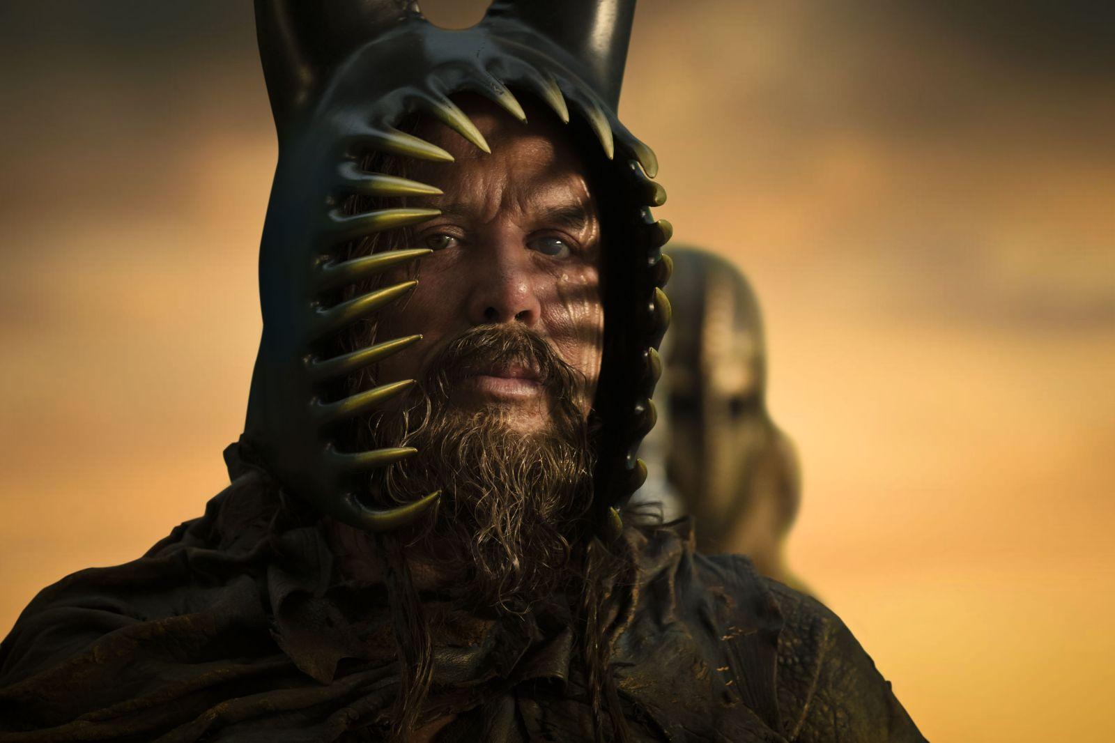 http://1.bp.blogspot.com/-jLfjIglNIiM/TsBTzCzlN7I/AAAAAAAAAwQ/ERAm9h2MHvA/s1600/immortals-movie-image-mickey-rourke-01.jpg