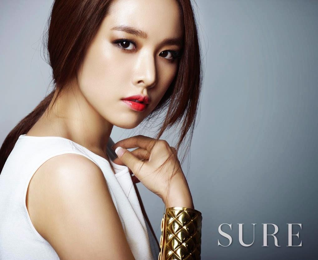 Jo Yoon Hee - Sure May 2014