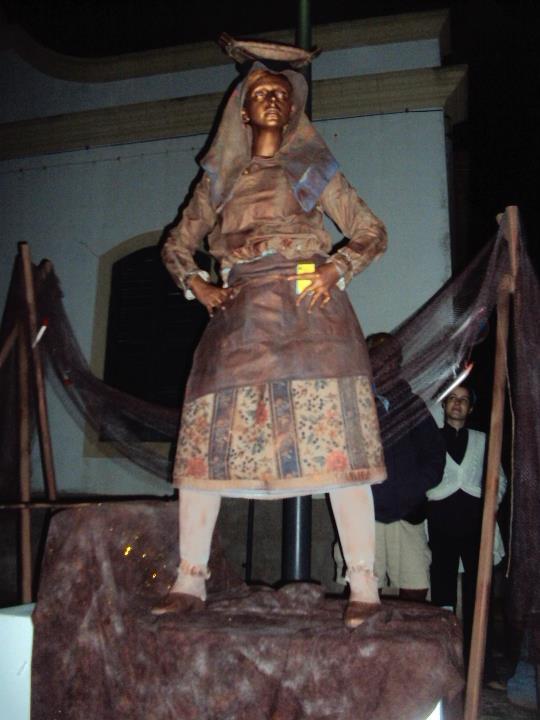 Estatua Vivas