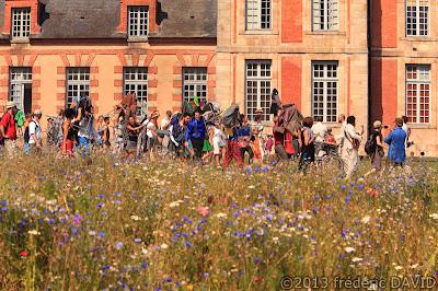 spectacle danse contemporaine couleurs festif déambulation chaises musicales cie Oposito Kori Kori Chamarande Essonne
