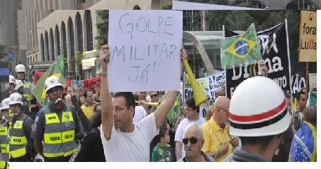 MOVMENTO FORA DILMA, INTERVENÇÃO MILITAR