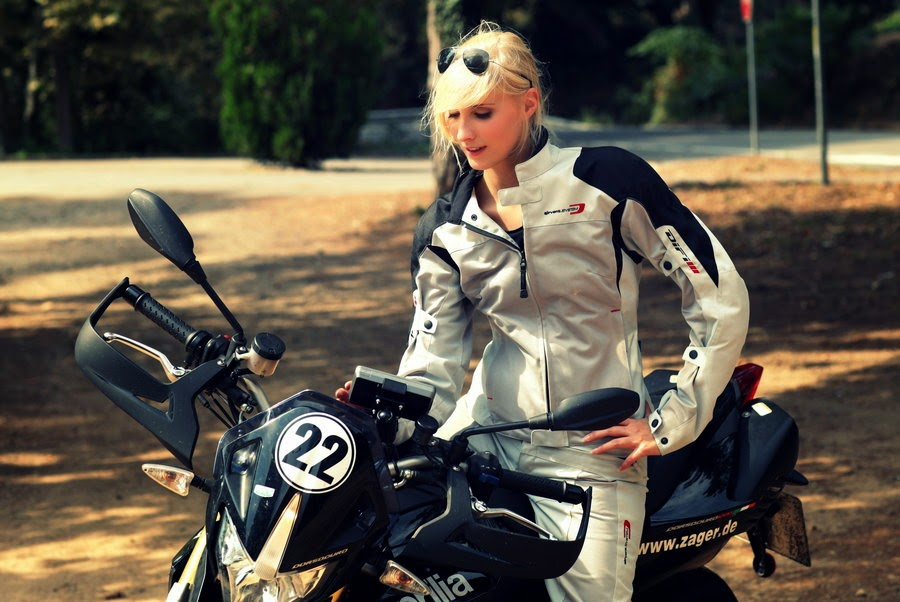 Biker Girl Aprilla Photoshoot