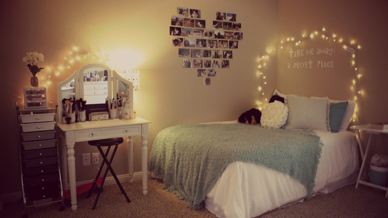 Diy tumblr room tfy tips for you for Cuarto tumblr con luces