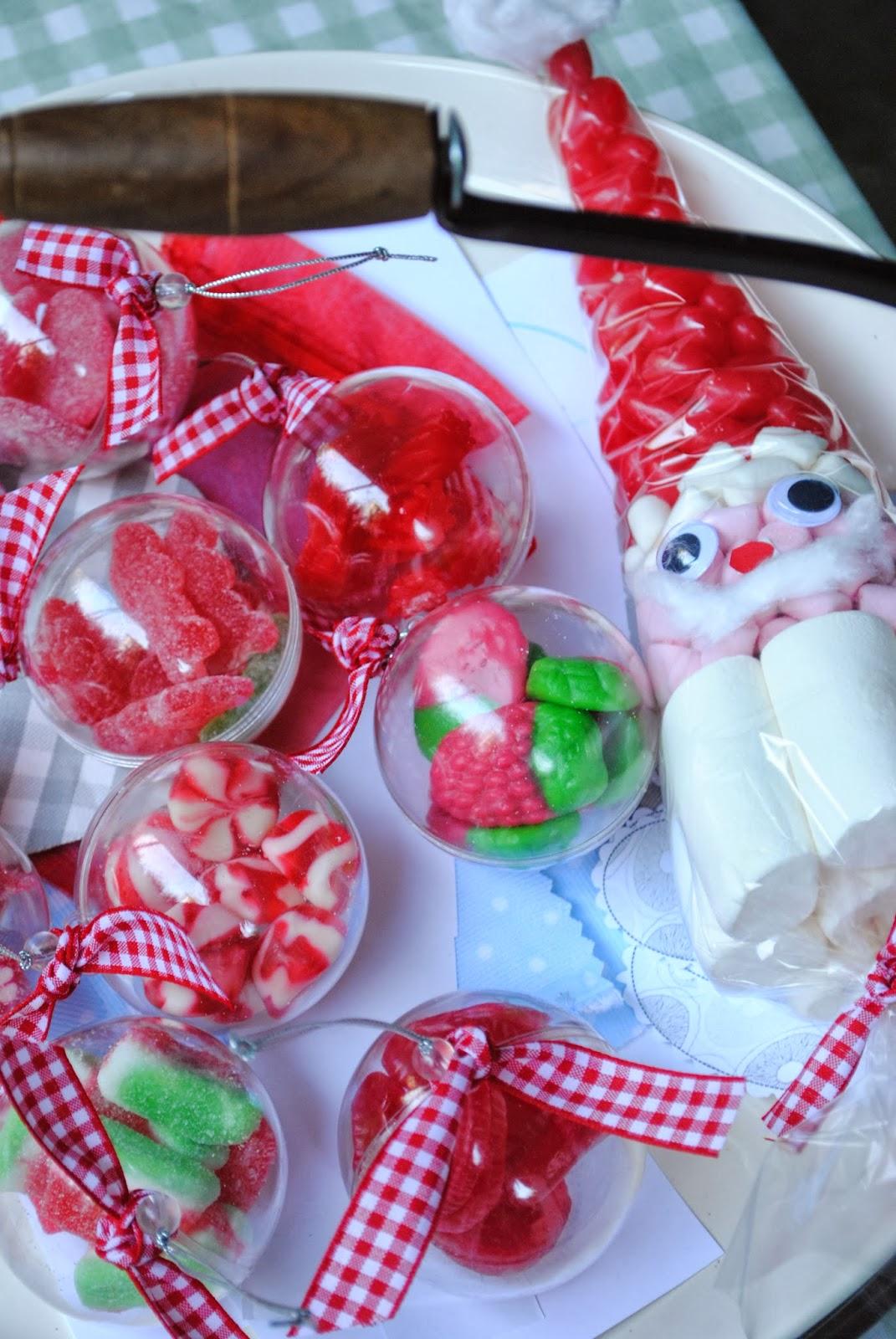 Los detalles de bea preparando adornos para decorar la - Adornos con chuches ...