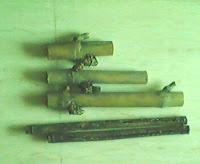 Bambu Patil Lele dan Bambu Bolong Kumbang