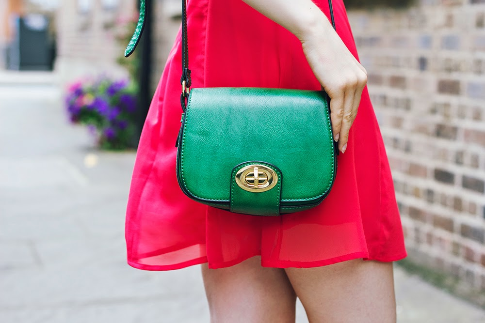 green bag fashion blogger style uk
