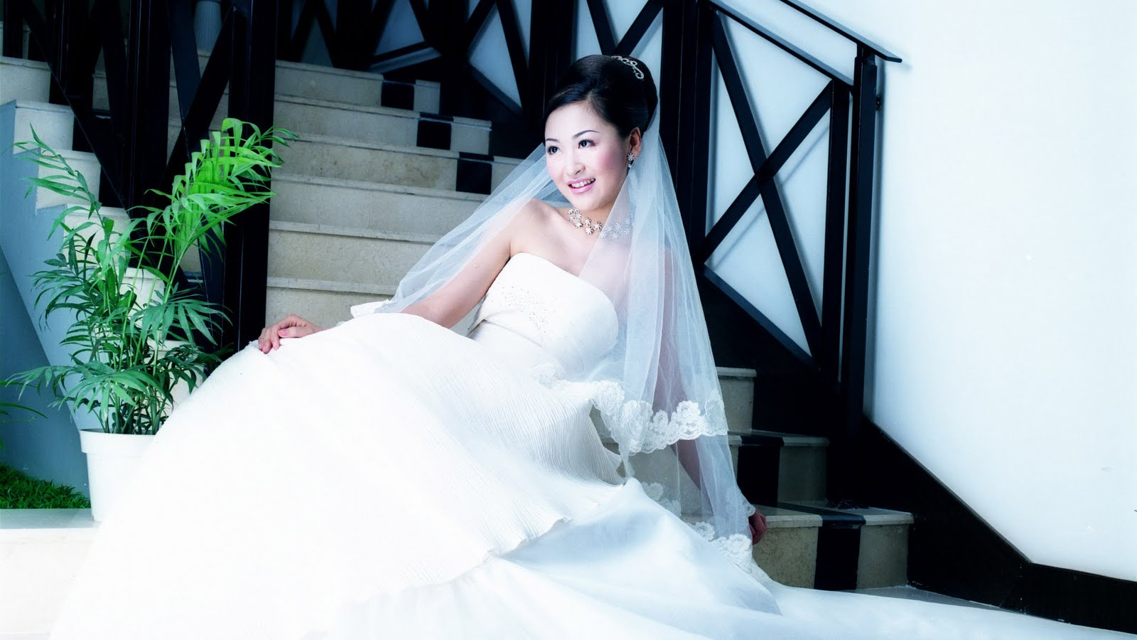 http://1.bp.blogspot.com/-jMI6Im_hBWw/TaFv7F6RoiI/AAAAAAAAAAk/uy96uWnSMKc/s1600/prewedding-picture.jpg