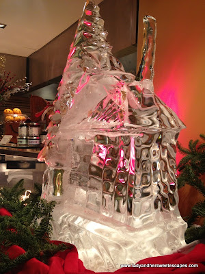 Christmas Ice Sculpture2