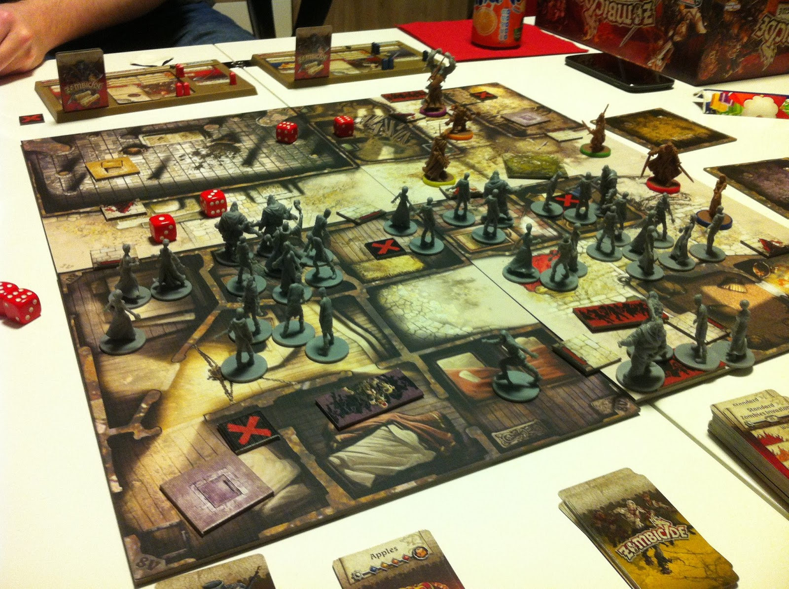 Zombicide black plague 1i re partie for Porte zombicide