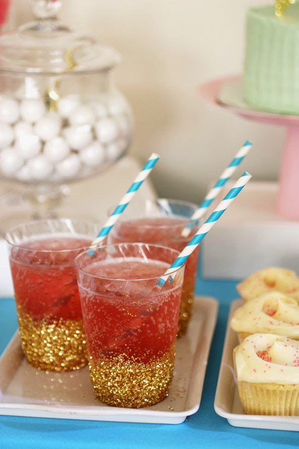 Quick And Stylish Oscars Viewing Party Decorating Ideas; glitter dipped cups