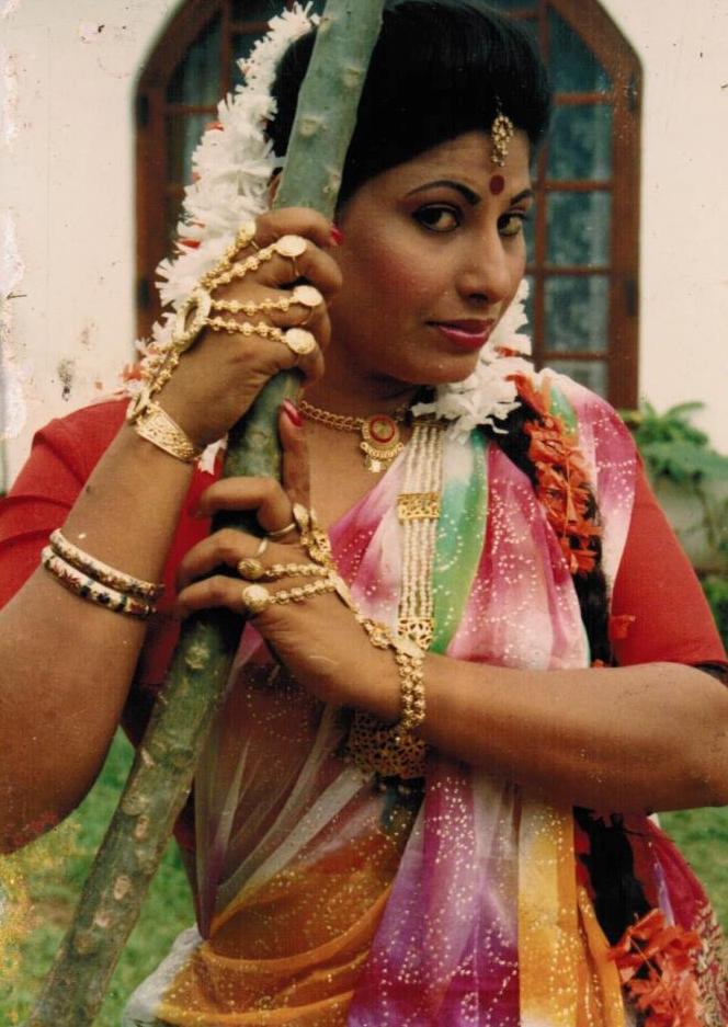 srilankanmusicbank.com - Srilankan Hot Actress-Dulani Anuradha
