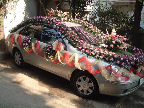 Gak creativities wedding car decorations for Automobile decorations home