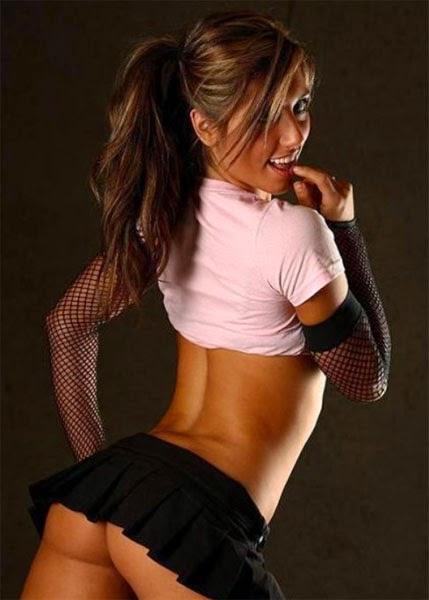 телки в сексуальных юбках фото