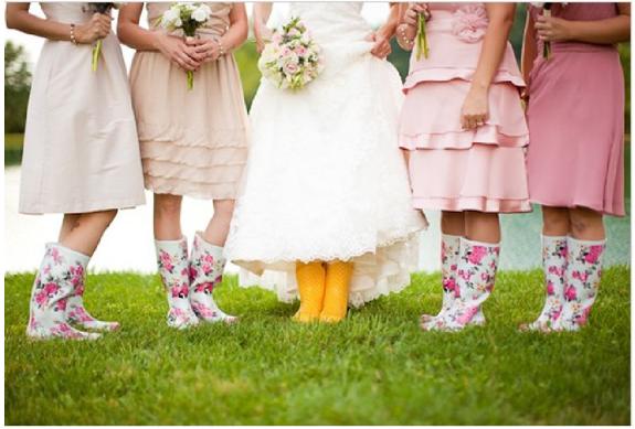 des tmoins aux bottes assorties - Parapluie Mariage Pluvieux Mariage Heureux