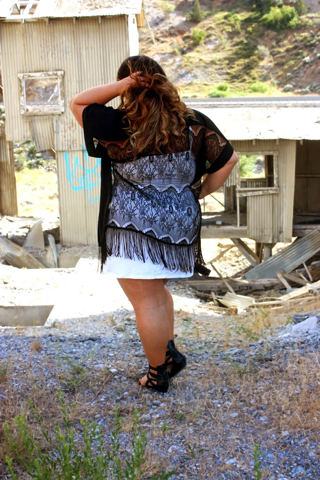 what to wear on a road trip, middle of nowhere, tinahse, 2on, summer fashion, country style, natalie craig, natalie in the city, white dress, fringe, lace, louis vuitton backpack, gladiator sandals, fashion road trip, plus size fashion blogger, curvy fashionista, thick girls, curly hair ombre, see through, statement jewelry