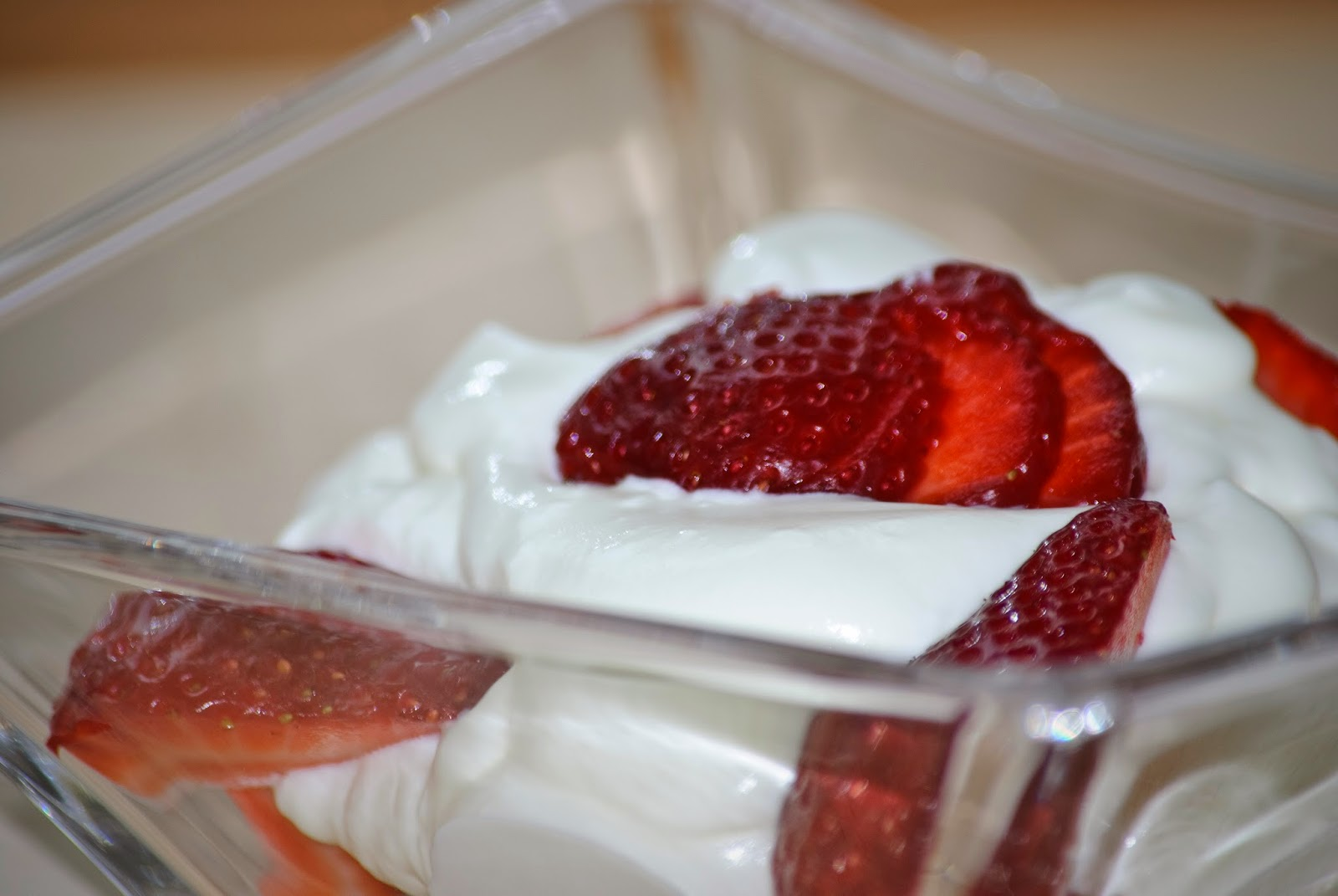 Fresas con nata; Strawberries and cream