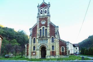 Mieres, poblado de Bustiello, iglesia