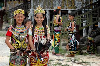 Suku Dayak Selibong
