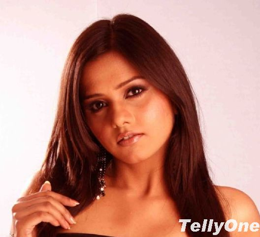 Daljit Kaur In Is Pyaar Ko Kya Naam Doon A Star Plus Show Tellyone