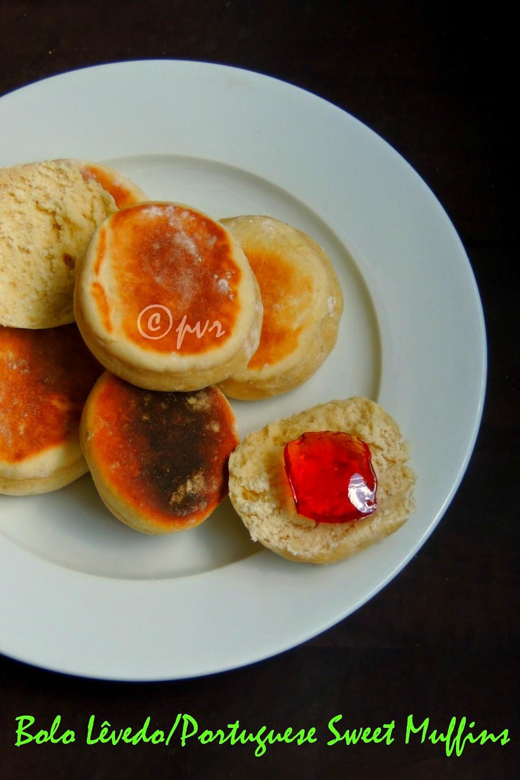 Bolo Lêvedo / Portuguese Sweet Muffins