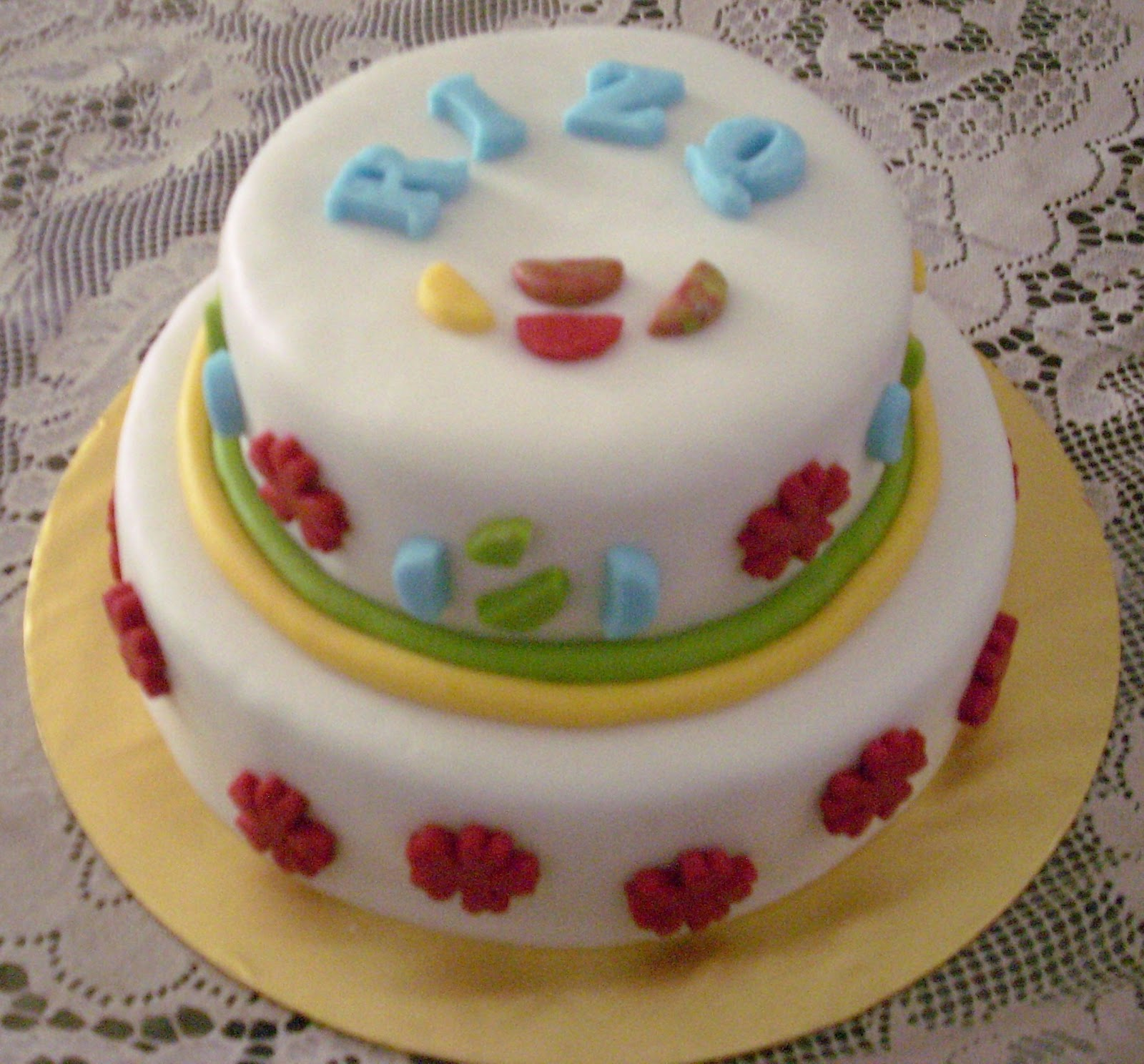No. 11 - Rolled fondant cake 4.5 kg = RM180.00