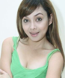 Galeri Foto Hot Terry Putri - VIVAforum