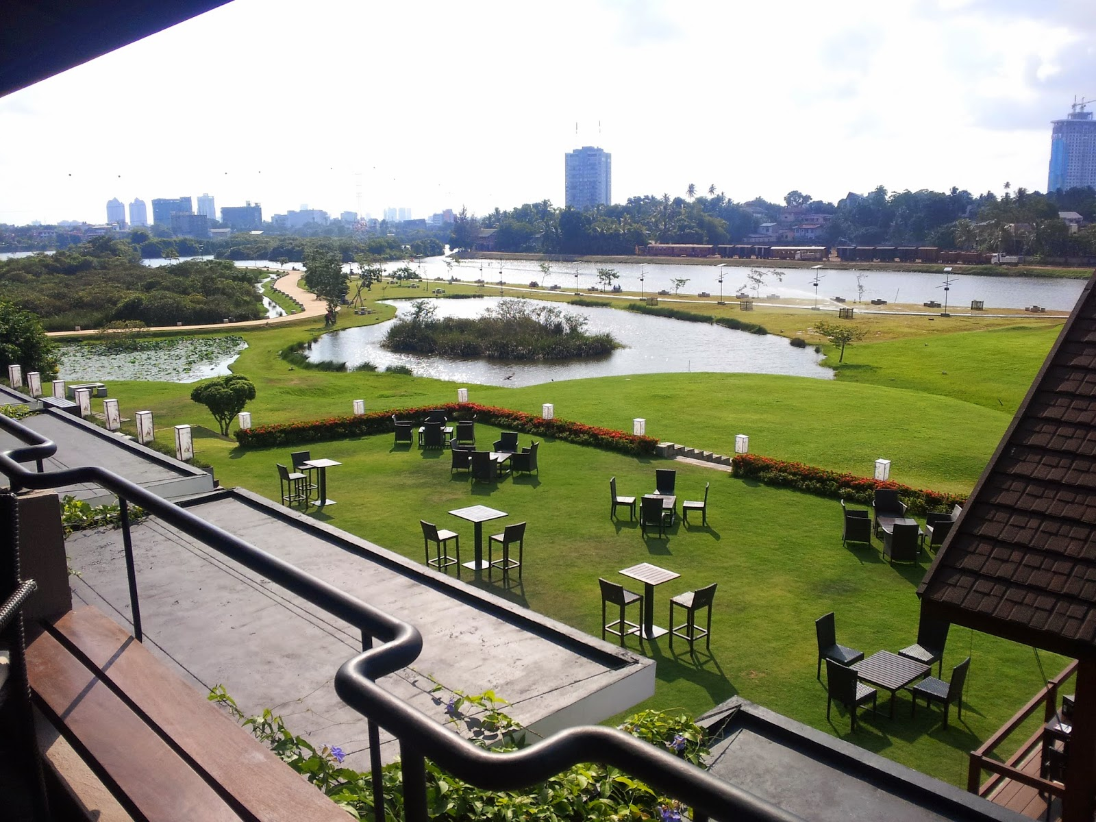 Waters Edge, Colombo
