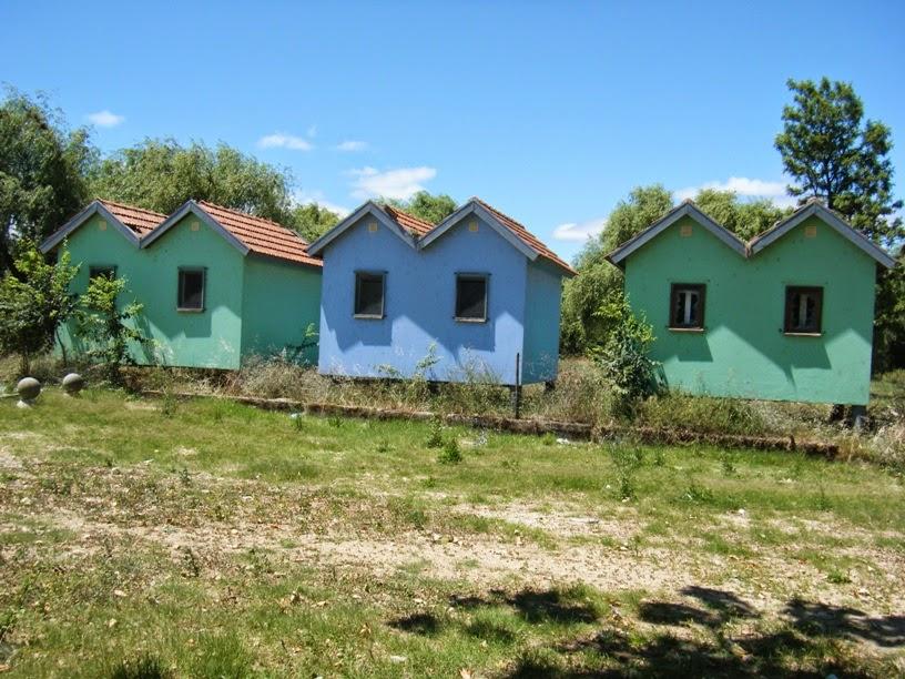 Casas recuperadas mas já com sinais de abandono