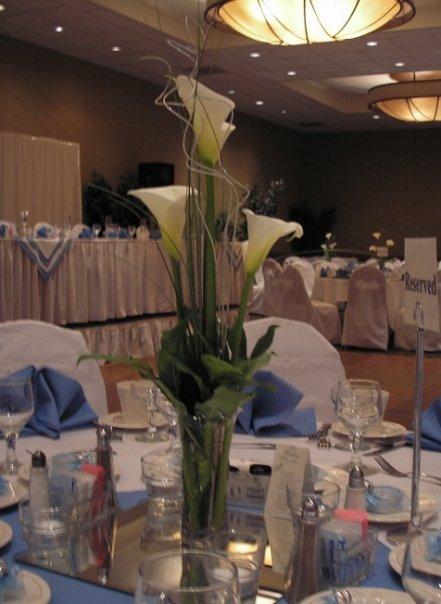 Bernardo\'s Flowers: Simple Calla Lily Centerpiece