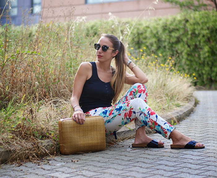 pantaloni a fiori