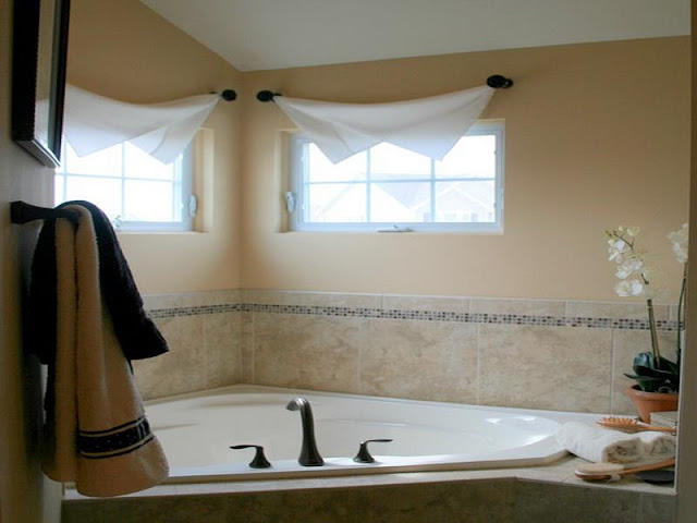 Fancy Bathroom Window Curtains To Provide Privacy In Bathroom