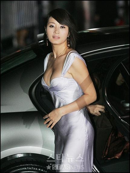 http://1.bp.blogspot.com/-jO4jUWc8xrs/T3vjr98E5XI/AAAAAAAAEys/pRPPrlqyVy0/s640/Artis-Korea-kim-hye-su.jpg