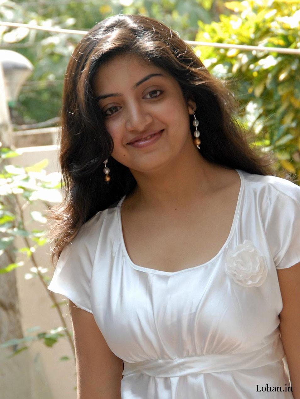 actress poonam bajwa hot photos
