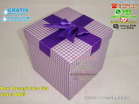 Box Persegi Plus Pita