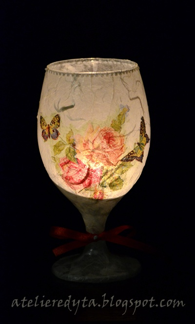 Decoupage na szkle, świecznik z kieliszka