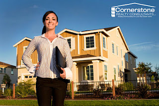 What is Real estate Broker?